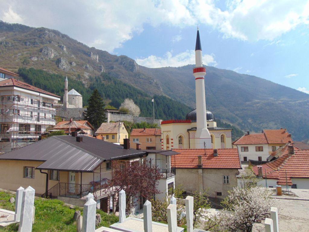 Варошская мечеть, крепость и Влашич. Фото: Елена Арсениевич, CC BY-SA 3.0