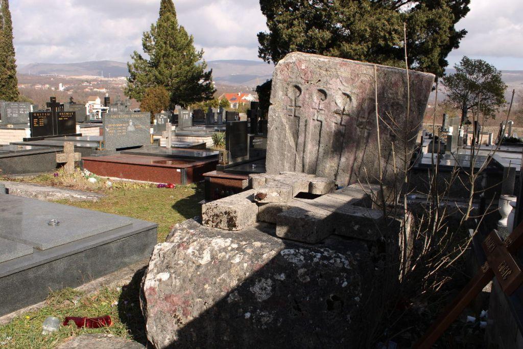Шарампово, католическое кладбище. Фото: Елена Арсениевич, CC BY-SA 3.0