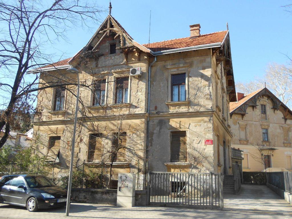 Дом Пешко, точнее, два дома Пешко. Фото: Елена Арсениевич, CC BY-SA 3.0