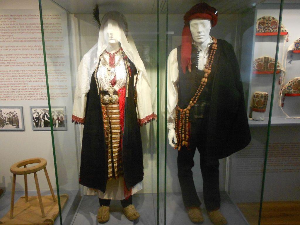 Традиционная одежда хорватов Ливаньского поля. Фото: Елена Арсениевич, CC BY-SA 3.0