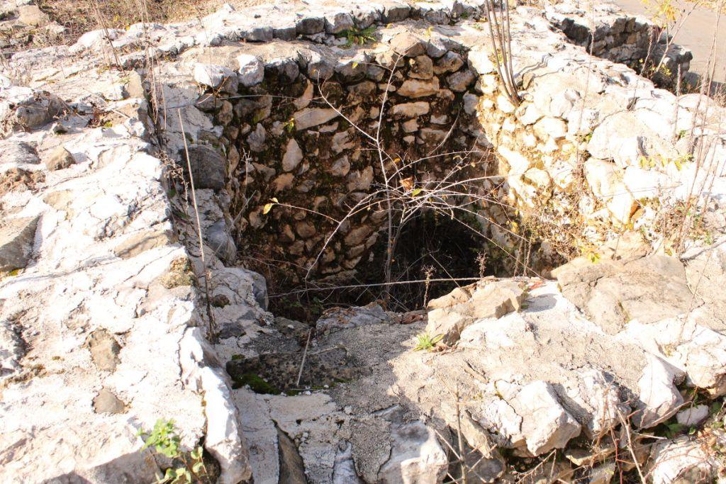 Раскопанный фрагмент. Фото: Елена Арсениевич, CC BY-SA 3.0