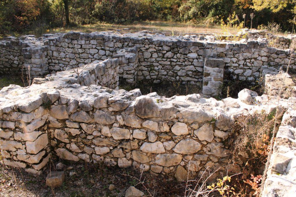 Откопанная базилика в Ривине. Фото: Елена Арсениевич, CC BY-SA 3.0