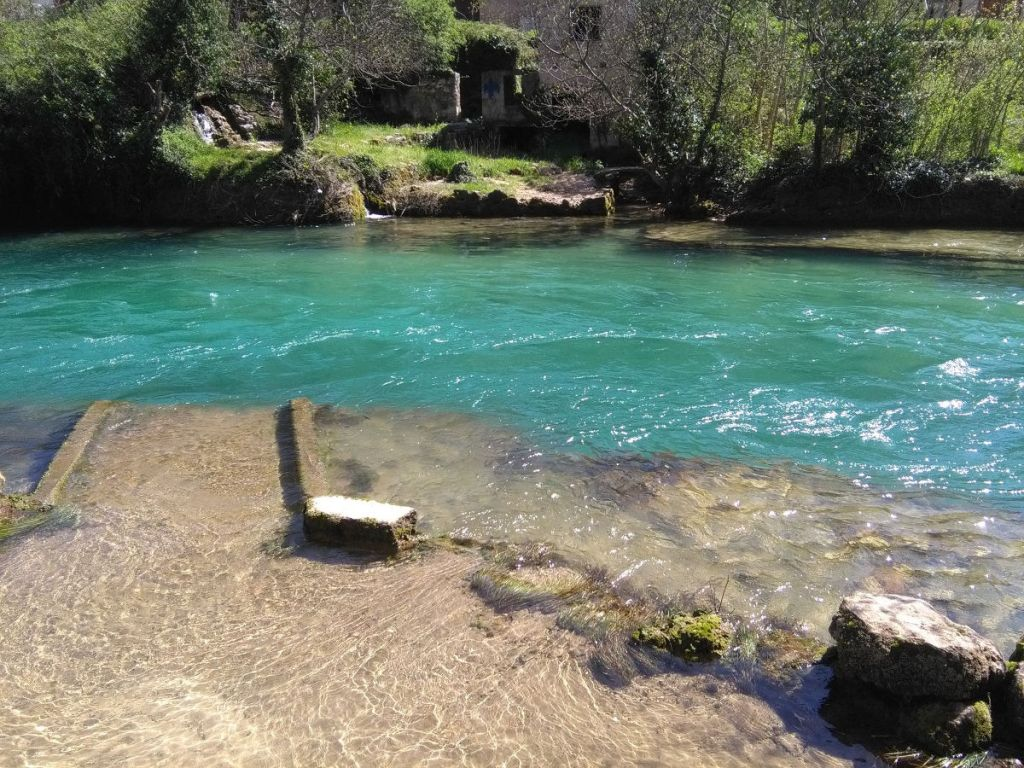 Изумрудная река. Фото: Елена Арсениевич, CC BY-SA 3.0