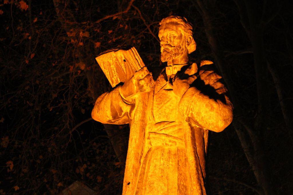 Негош в ночи. Фото: Елена Арсениевич, CC BY-SA 3.0