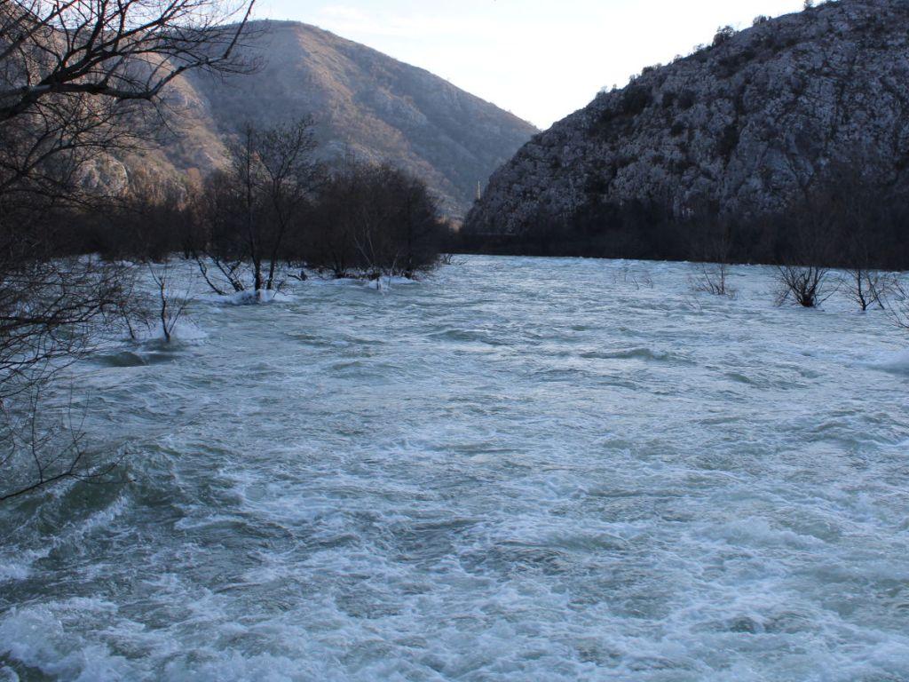 То же место при высокой воде. Фото: Елена Арсениевич, CC BY-SA 3.0