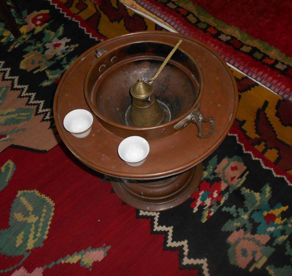 Жаровня-мангала. Фото: Елена Арсениевич, CC BY-SA 3.0