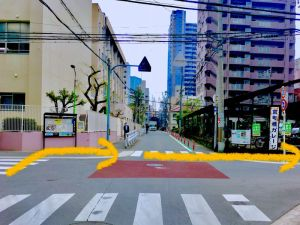 京町堀ガレージが見える交差点
