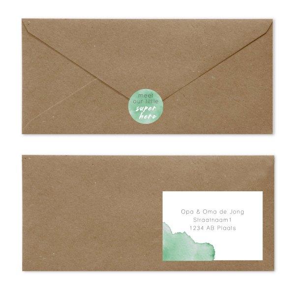 geboortekaartje watercolor envelop met sluitzegel en adressticker