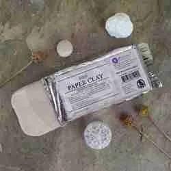 paper clay -klei op papier basis
