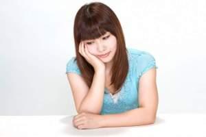 https---www.pakutaso.com-assets_c-2015-05-N112_hooduewotukujyosei-thumb-1000xauto-14599