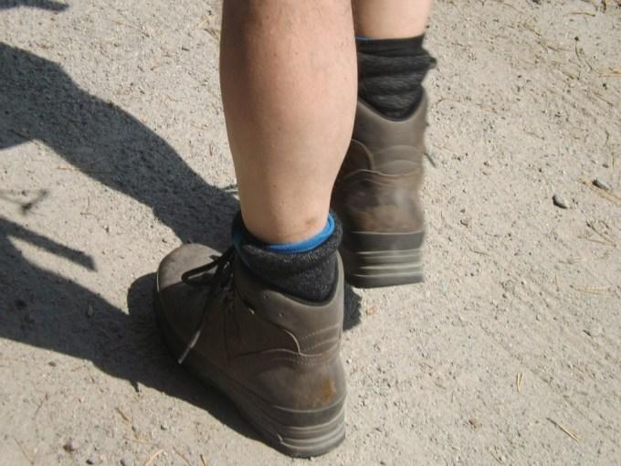 hiking-358555_1280