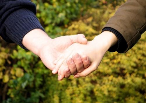 遠距離恋愛では相手のことを信頼することが大切