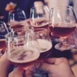 飲酒が乾燥肌の原因?お肌を乾燥させないためのアルコールとの付き合い方