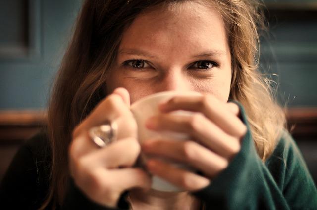 今すぐ始めたい朝の習慣、白湯を飲む効果