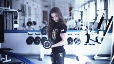 女性、肩こり、筋肉
