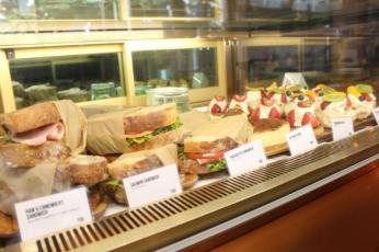 サンドイッチなどもずらっ!