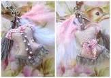 bijou de sac gris et rose plume et pompon argent lacaudry creation