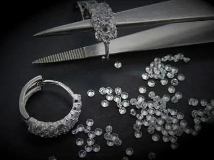 remplacement d'un diamant ou pierres sur bijoux