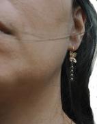 boucles d oreilles fleur epi noir porte (Copier)