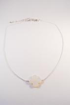 collier argente trefle nacre blanc 2 (Copier)