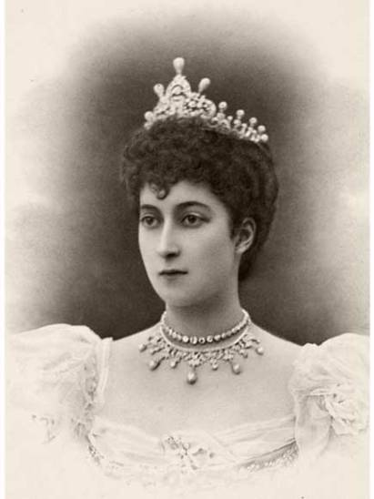 queen-mauds-pearl-diamond-tiara-1
