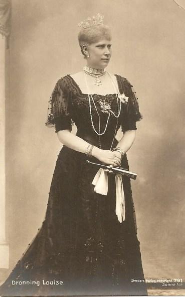 queen-louise-of-denmark-born-princess-of-sweden-2