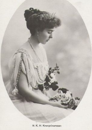 1908-ca-cp-margaret-of-swedens-official-picture-1