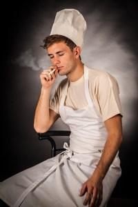 Roken vergroot kans op longklachten door blootstelling aan stof
