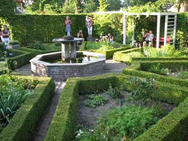 Tuincafe in Botanische Tuinen de Kruidhof Buitenpost Friesland