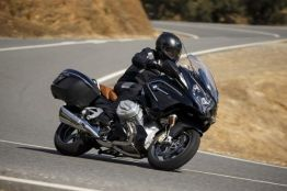 P90322777_lowRes_bmw-r-1250-rt-09-201