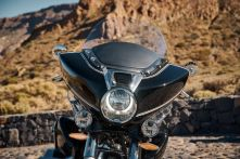 P90430976_lowRes_the-new-bmw-r-18-tra