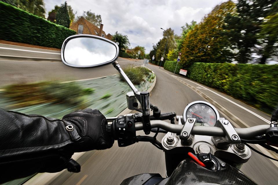 オートバイ