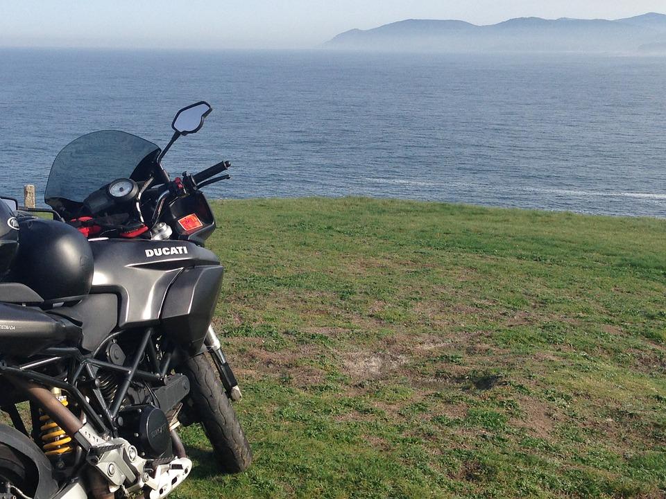 海 バイク