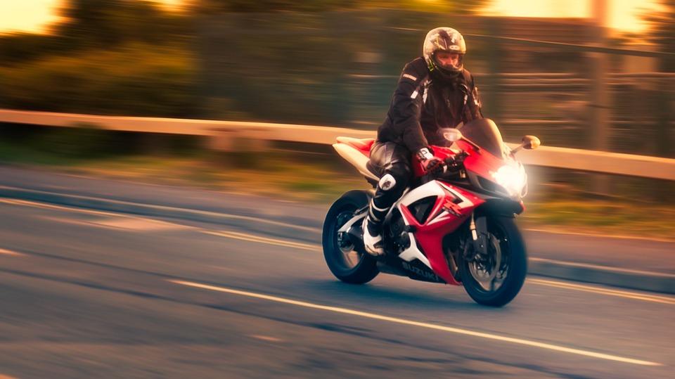 オートバイ 日没 夕日 バイク