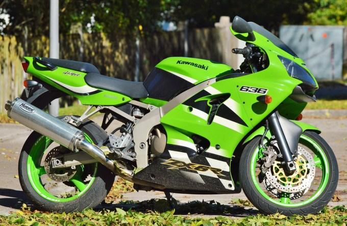 オートバイ 川崎 Zx6r 排気 車両 クロム 交通手段 メカノ豚 マシン 二輪車