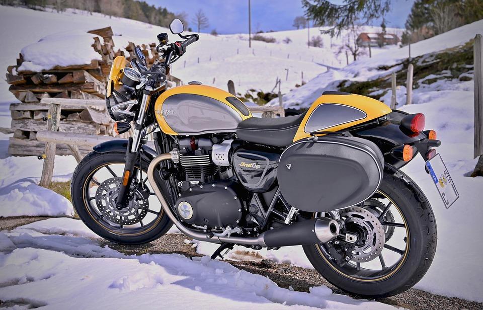 冬でもバイクに乗る?乗らない?あなたはどっち?