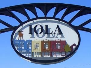 Iola Sign