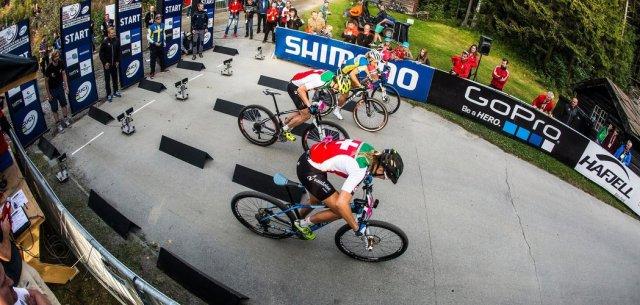 Womens final start, 2014 UCI MTB World Championships, Hafjell, Norway.