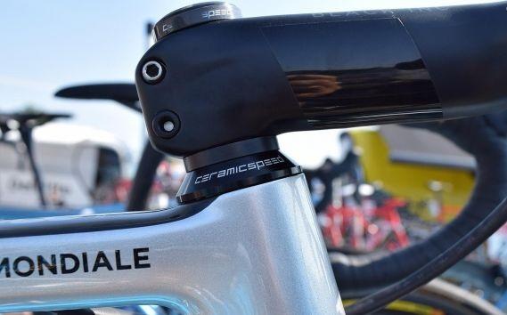 Factor O2 de Romain Bardet customizada para o Tour de France 2018 (7)