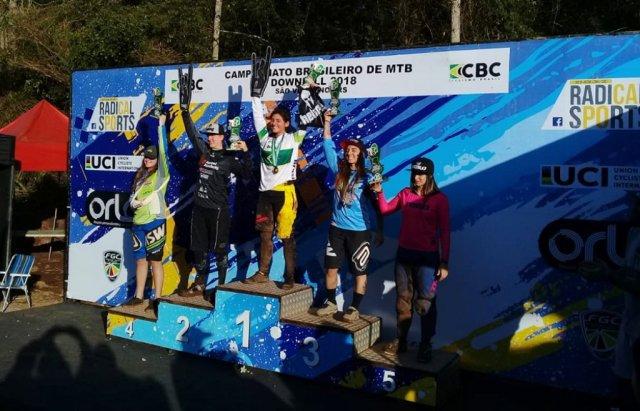 Lucas Bertol e Lais Rezzadori são campeões brasileiros de Downhill no Rio Grande do Sul