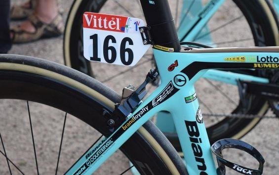 A Bianchi Oltre XR4s de Primož Roglič e Dylan Groenewegen no Tour de France 2018 (3)