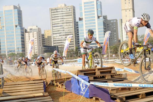 Memorial da América Latina recebe prova inédita com os melhores ciclistas de mountain bike do Brasil (4).jpg