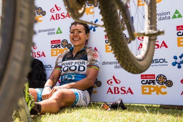 Sabine Splitz após vitória no Cape Epic 2016.jpg