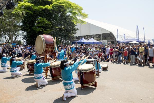 Show de Taiko com os tradicionais tambores japoneses (Filipe Mota FS Fotografia)