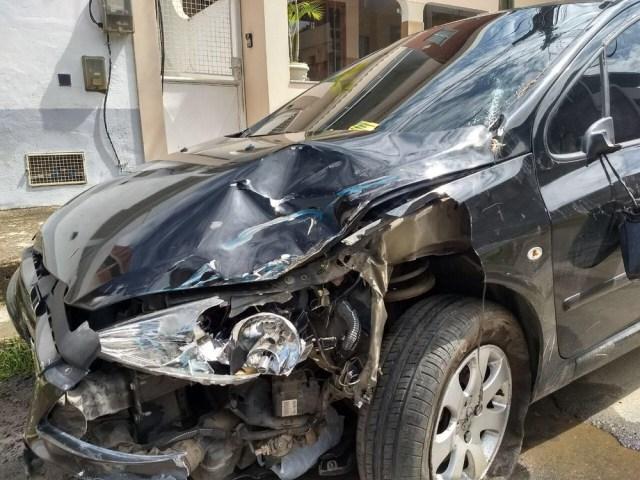 Vídeo Ciclista sobrevive após ser atropelado e arrastado por carro dirigido por menina de 13 anos (1)