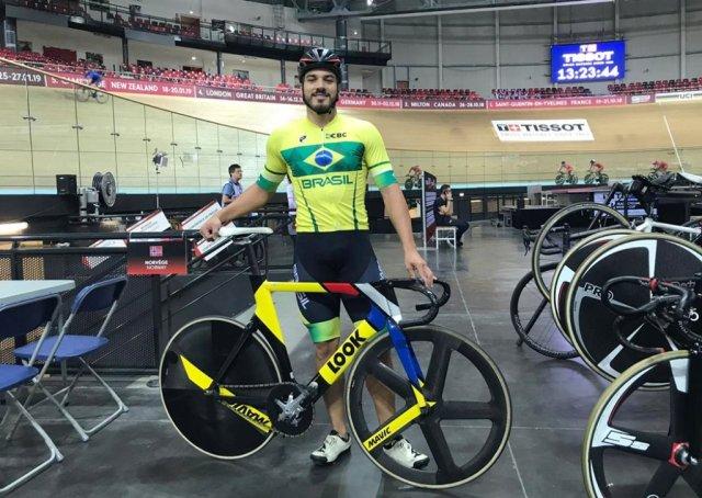 Kacio Freitas participa de etapa da Copa do Mundo de Pista na França