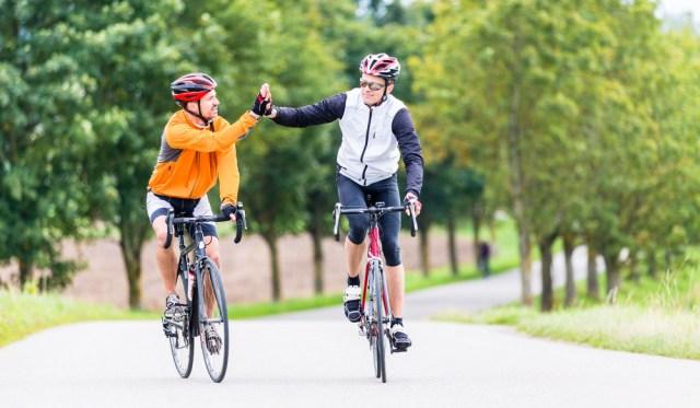 dois ciclistas.jpg