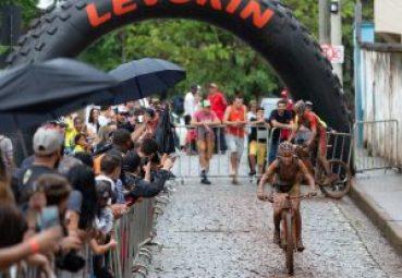Letícia disse que chuva deixou prova mais dura (Foto Marcelo Rypl).jpg