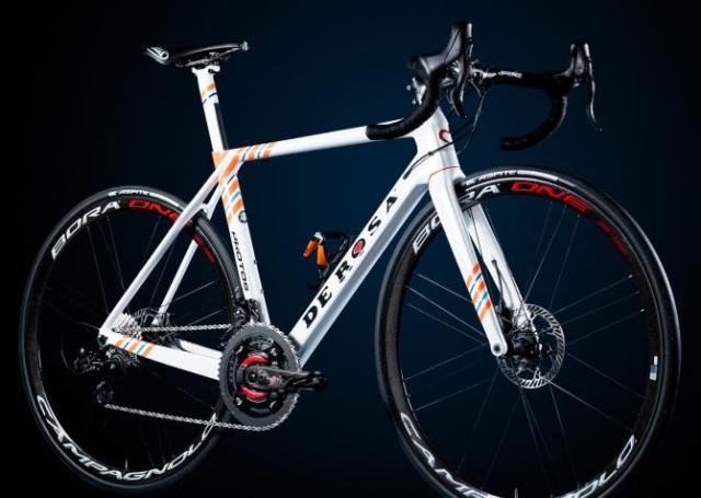 A bike De Rosa de 12v da equipe Nippo-Vini Fantini para 2019 (1)