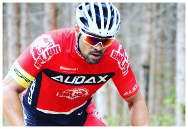 Bruno Fontana faz parte da equipe Bike Leite, no Espírito Santo. Foto Arquivo Pessoal.